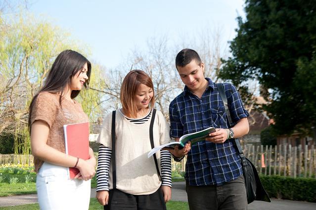 Tuần thông tin du học Anh - Bậc học sau phổ thông và dự bị đại học
