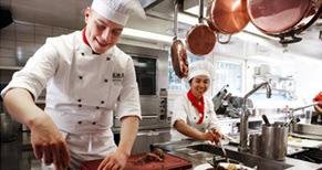 Trường ĐH Kinh doanh và Khách sạn Thụy Sĩ tuyển sinh 2017