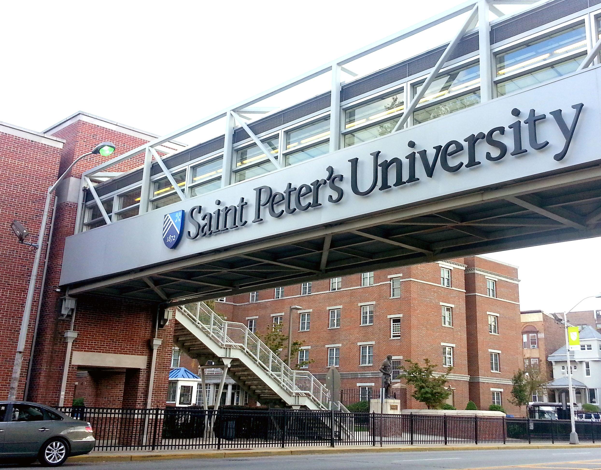 Trung tâm tiếng anh FLS tại Saint Peters University