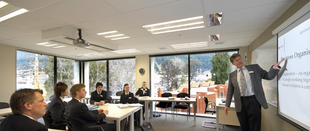 Học và thực tập chuyên ngành Quản trị Du lịch – Khách sạn tại Khu du lịch nổi tiếng thế giới của New Zealand