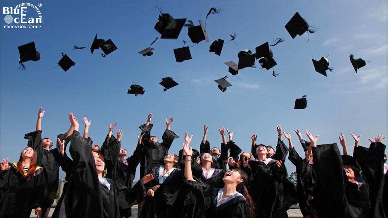 60% sinh viên tốt nghiệp Đại học Singapore có lương khởi điểm từ 2550 đô la