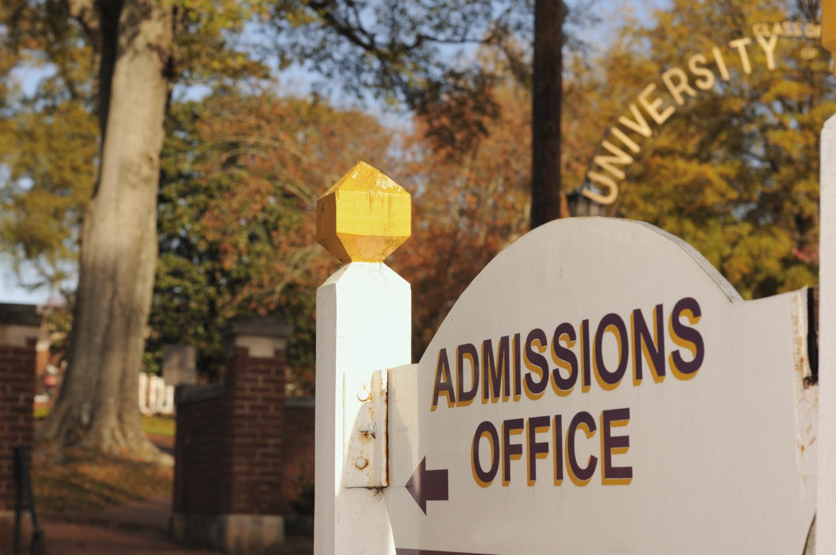 4 chiến lược dành cho học sinh có điểm số thấp khi đăng ký nộp đơn học cho trường đại học, cao đẳng
