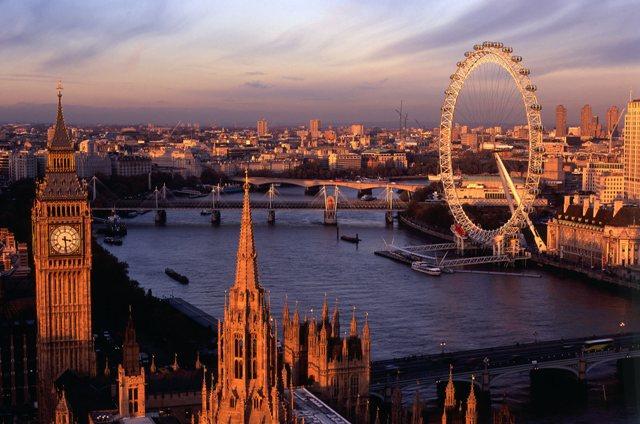 """10 lý do khiến bạn muốn """"xách ba lô và du học ngay"""" tại London"""