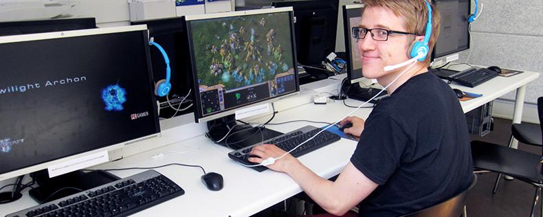 Chương trình Cao đẳng Khoa học máy tính tại Đại học Bắc Đan Mạch - Chương trình Học thông qua làm