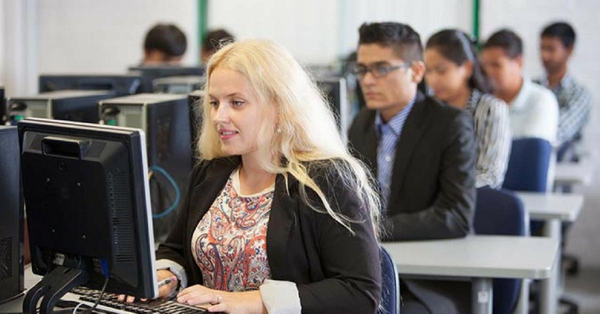 Ưu đãi học phí chương trình Diploma in Information Technology tại Học viện Kinh doanh và Công nghệ Cornell