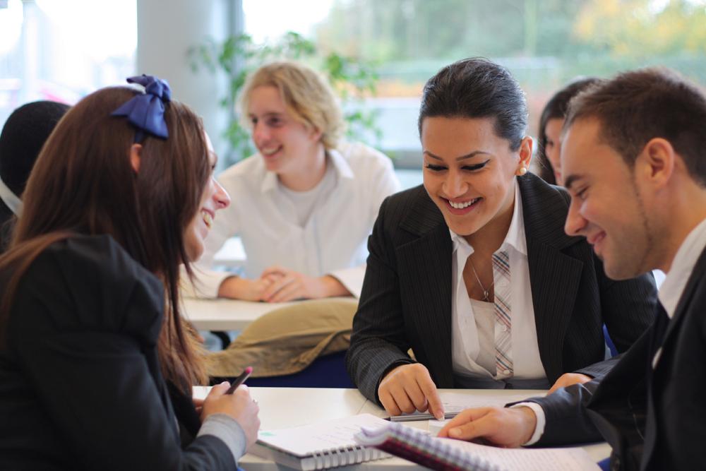Du học Hà Lan - Ưu điểm chọn ngành học quản lý Logistics