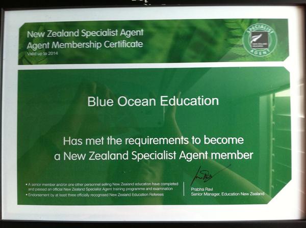 Chuyên viên tư vấn giáo dục được cấp chứng chỉ của New Zealand Education